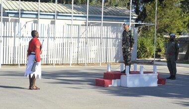 Honor Guard Commander reporting UNDOF HoM/FC Maj Gen Ishwar Hamal.