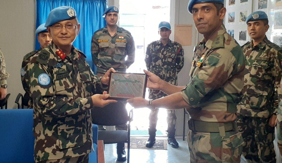 HoM/FC Maj Gen Ishwar Hamal with INDCON Commander Lt Col Suhel Nagarkar.