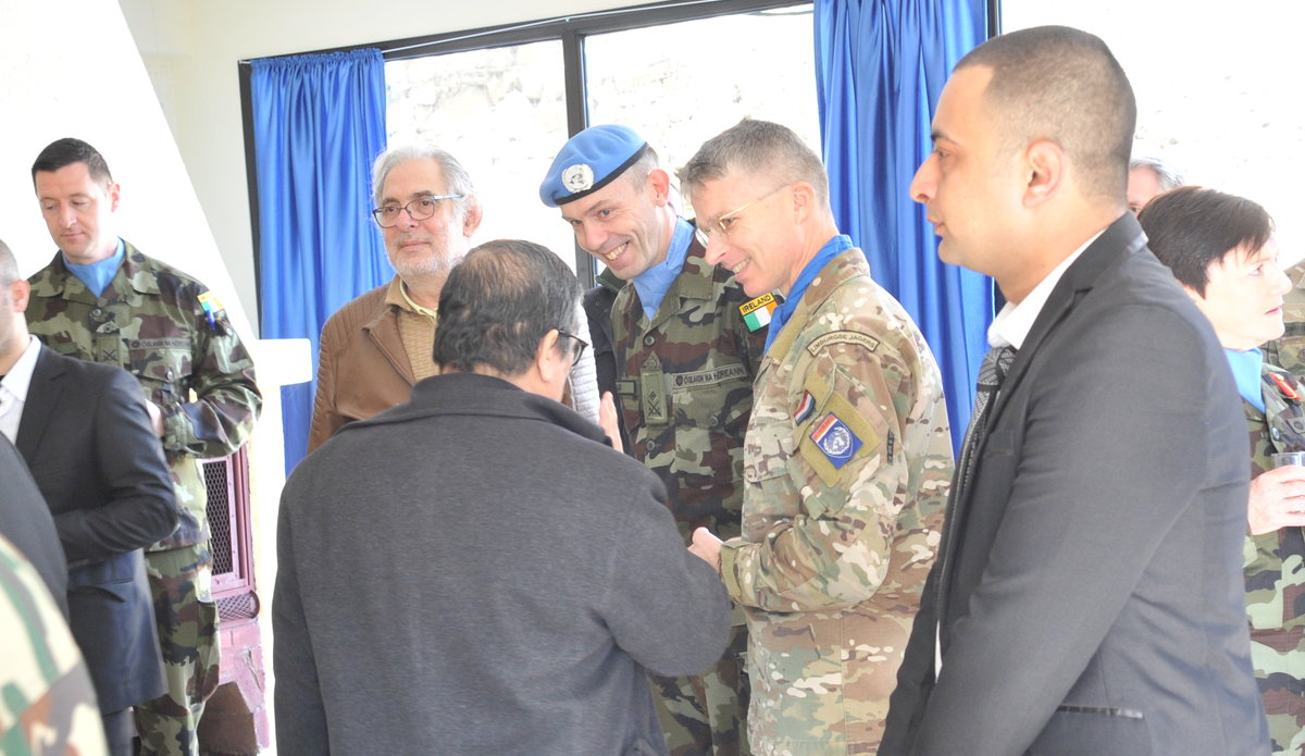 Lt Col Oliver Clear COO UNDOF talks with Delegates at Diplomats Day 2020.