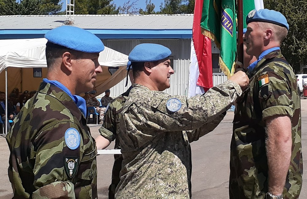 Chief of Staff UNDOF presents UNDOF Medals to 59th Inf Gp Irish Contingent FRC