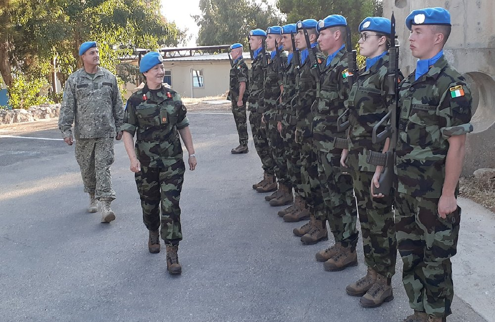 Brig Gen O Brien inspects the Honour Guard drawn from the 59th Inf Gp Irish Contingent UNDOF FRC