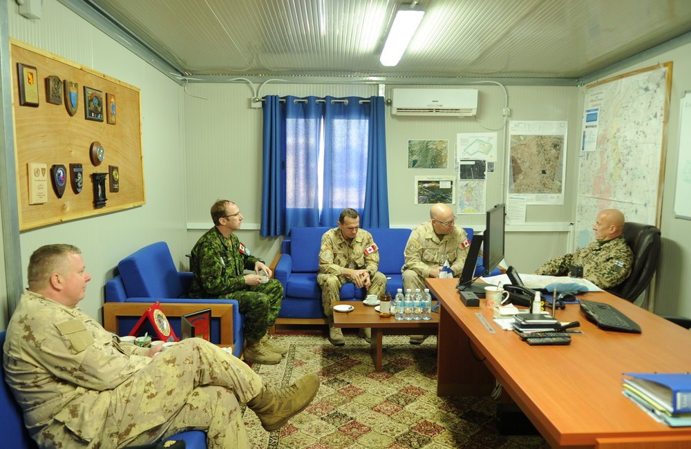 Rear Admiral Bob Auchterlonie office call with DFC UNDOF Brig Gen Mauri Koskela