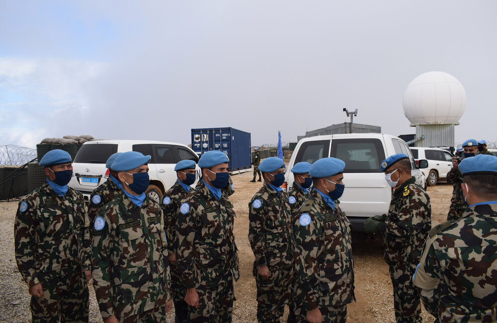 FC Lt Gen Ishwar Hamal speaks with NEPCON troops based on the top of Mount Hermon