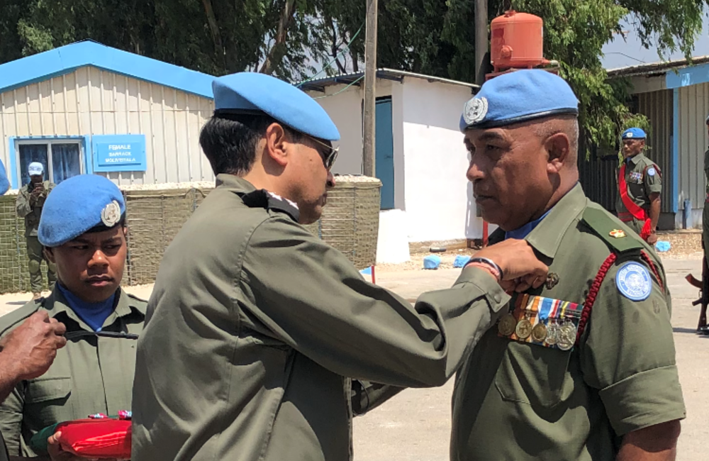 DFC and A/FC  Brig Gen Kuldip Pathak presents UNDOF medal to Fiji Batt 6 personnel
