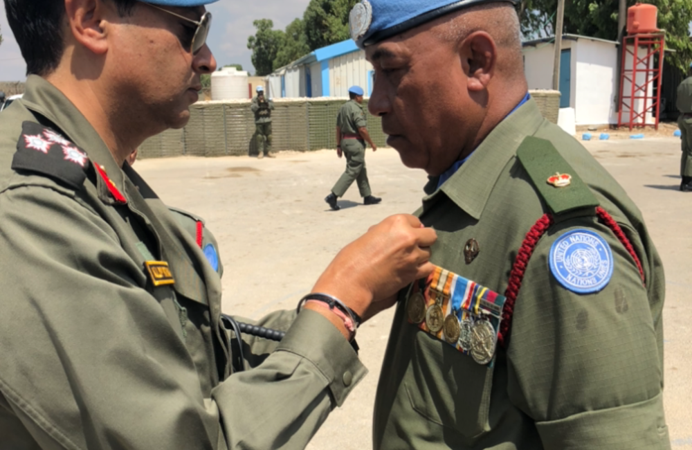 DFC and A/FC Brig Gen Kuldip Pathak presents UNDOF Medals to Fiji Batt 6