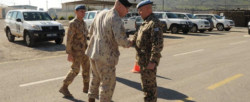 Rear Admiral Bob Auchterlonie meets DFC UNDOF Brig Gen Mauri Koskela