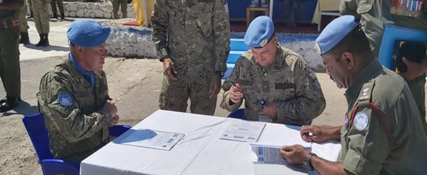 Col Luis E Cointino supervises the HOTO from Fiji Batt to UMIC